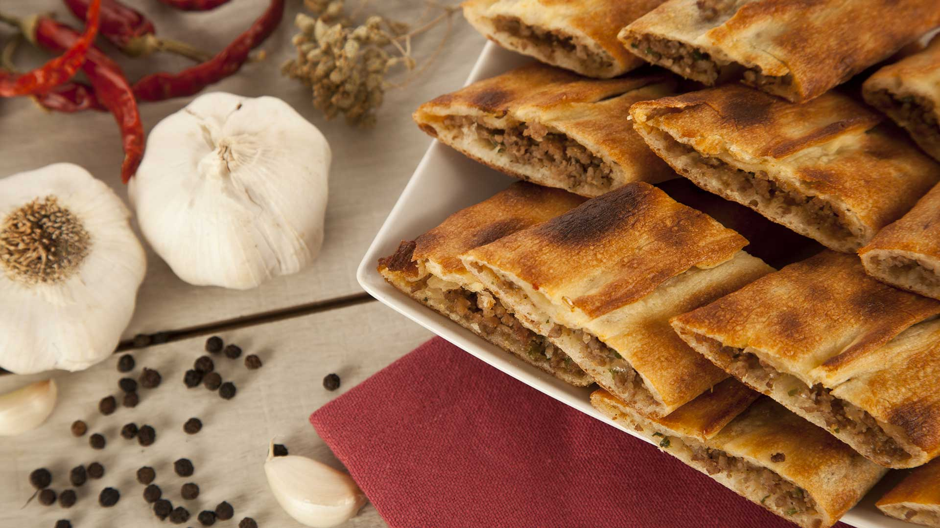 Turkish-minced-beef-pide-closed